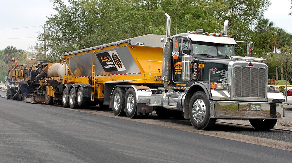 TKOLB_on_truck_paving
