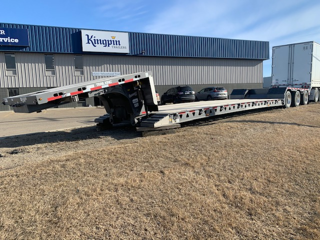 Exploring The Benefits Of Hydraulic Lowboy Trailers From Trail King